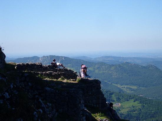 Le Jardin des Gorges: Montségur