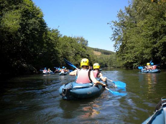 Le Jardin des Gorges: Cano-varen vanaf Alet-les-Bains