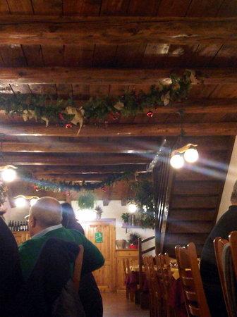 La Salle, Italy: sala da pranzo