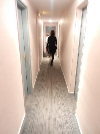 Hotel Saint-Sebastien: Hotel Inside