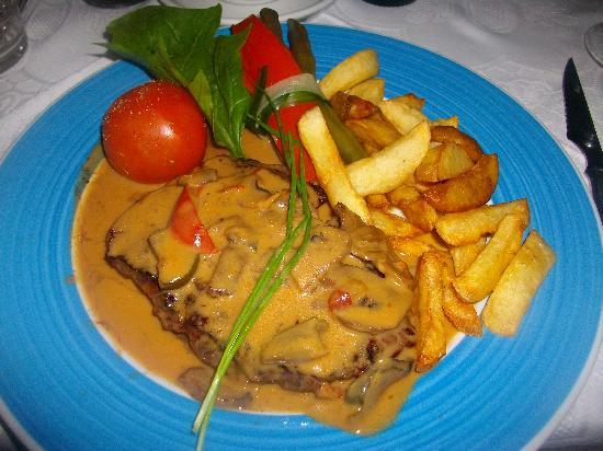 Restaurante Grill El Cenador : Steak and chips