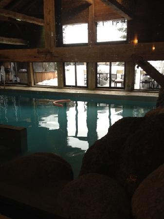 SPA Pure Altitude - Les Fermes de Marie: la piscine du Spa