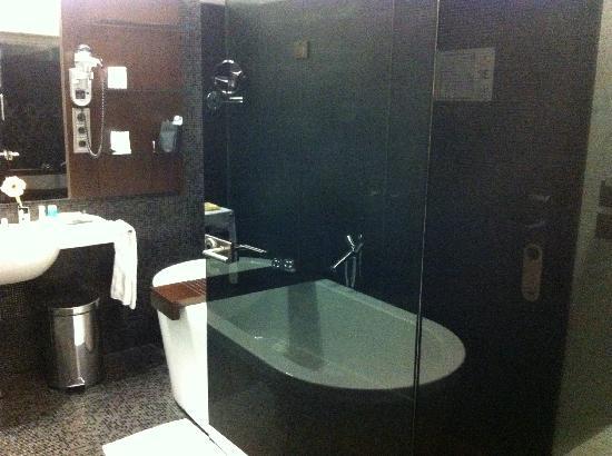 Salle de bain douche en deluxe photo de iberostar for Bain douche hotel paris