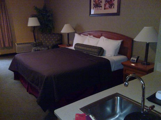Redmond Inn: Room Type: Superior King