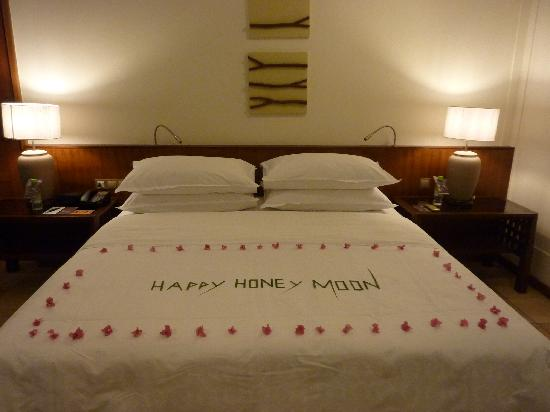Grilled fish dinner picture of sheraton maldives full for Bed decoration for honeymoon