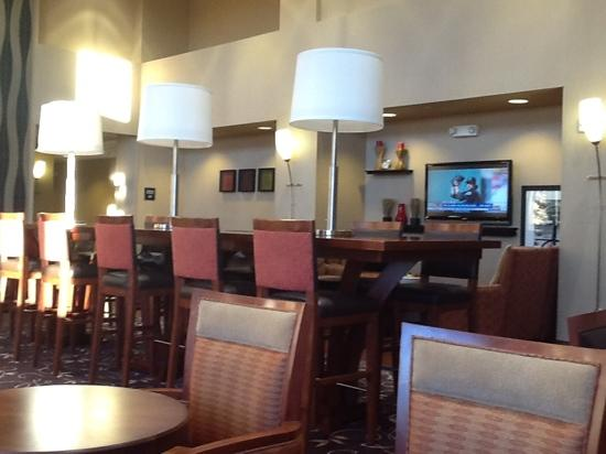 Hampton Inn & Suites Wichita-Northeast : Breakfast dinning area