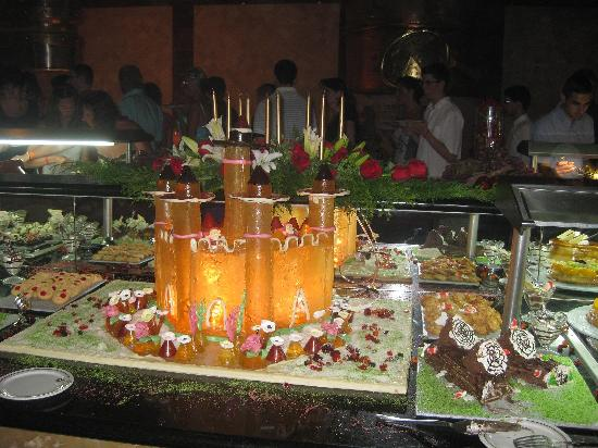 Iberostar  Bávaro Suites: Desert Table