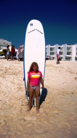 360 Surf School: Kyra