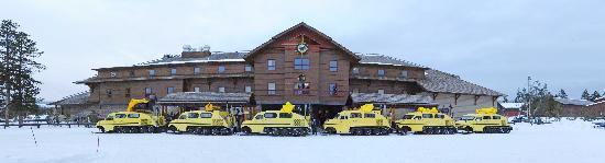 Old Faithful Snow Lodge and Cabins: Vintage Bombardier snow-coaches lined up at the Snow Lodge