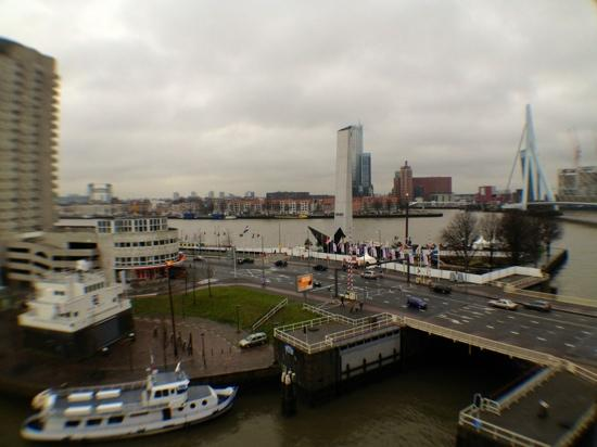 Inntel Hotels Rotterdam Centre: View from room 726