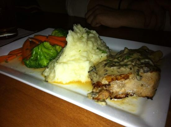 White Cap Grille: Roasted chicken, mushroom ravioli, and sides