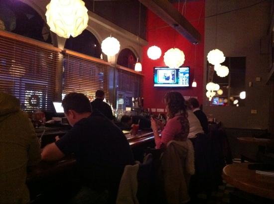 White Cap Grille: the bar