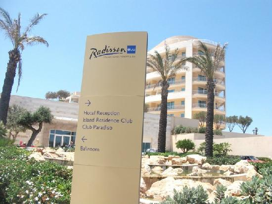 Radisson Blu Resort & Spa, Malta Golden Sands : Hotel is right on the beach