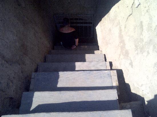 La Campana: escalier descente au tombeau