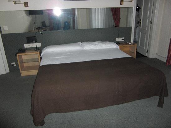 Hotel Avenida: La cama
