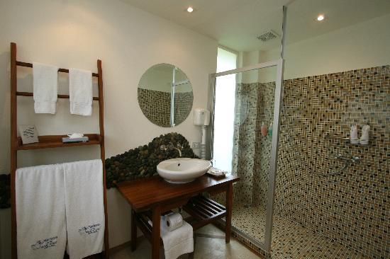 La Mariposa Hotel: Premier Ocean view bathroom