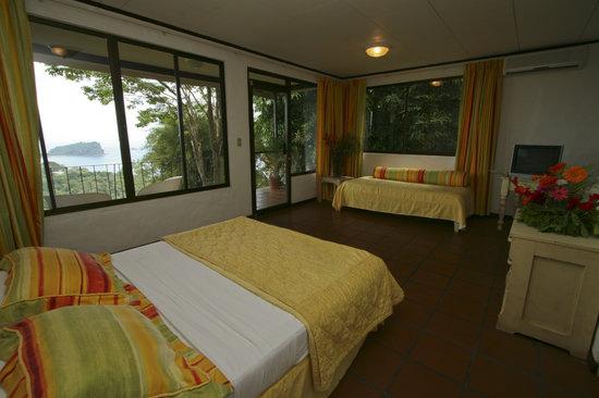 La Mariposa Hotel: Standard room Partial ocean view