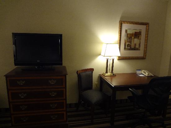 "Hampton Inn Boston-Natick: 32"" TV and work area"