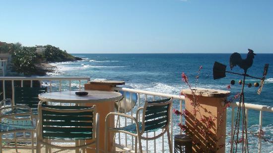Kikita Beach Guest House Bar y Grill : Ocean view restaurant