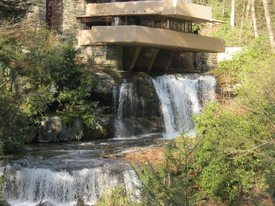 Hartzell House Bed and Breakfast: Fallingwaters
