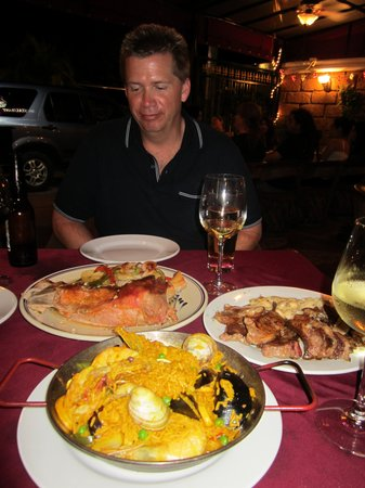 Tierra Espana : Charles with our paella, veal shank and lamb ribs