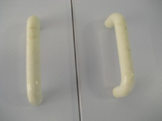 Delfinos Bay Resort : sticky handles in kitchen