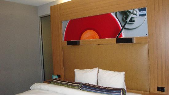 Hotel Modern Winchester: bed