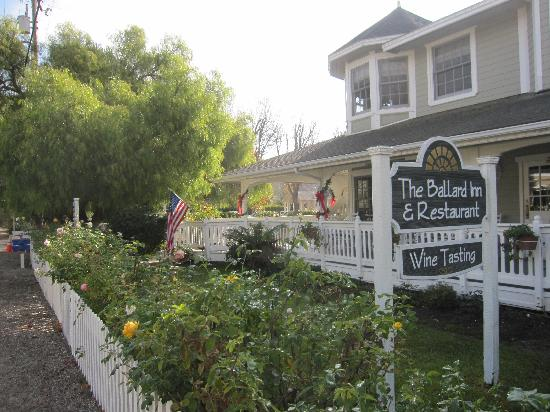 Ballard Inn: The front porch