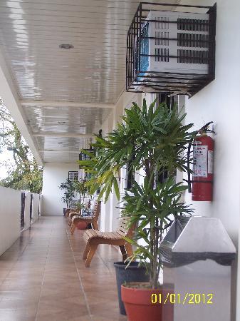 Elegant Star Apartelle: 2nd Floor Rooms