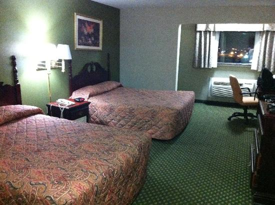 Howard Johnson North Bergen: Big room