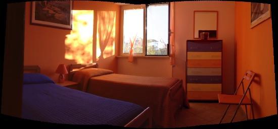 CasaFusco : Appartamento Arancio, camera con due singoli