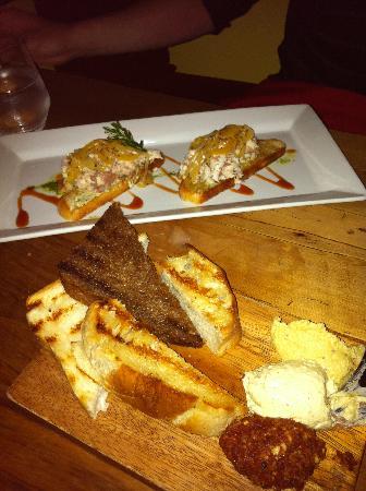 Redcliff Restaurant & Bar: Bread and Dip, and Eel Bruschetta