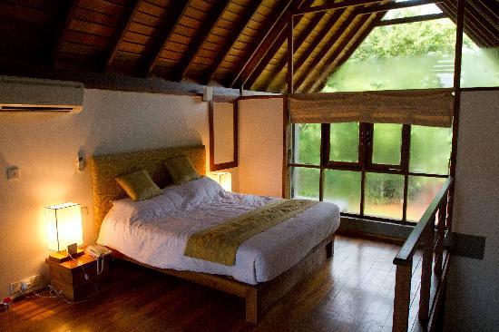 Wild Grass Nature Resort: Chalet bedroom