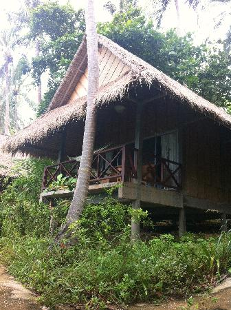Narima Bungalow Resort: This is our room. We could see sunset and Koh Haa from the balcony