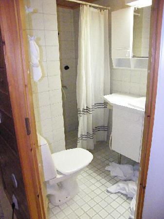 Hotel Hetan Majatalo : En-suite Bathroom
