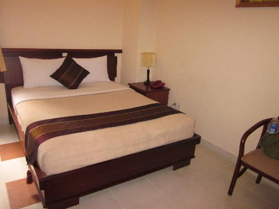Hong Vy 3 Hotel: Large and nice bedroom