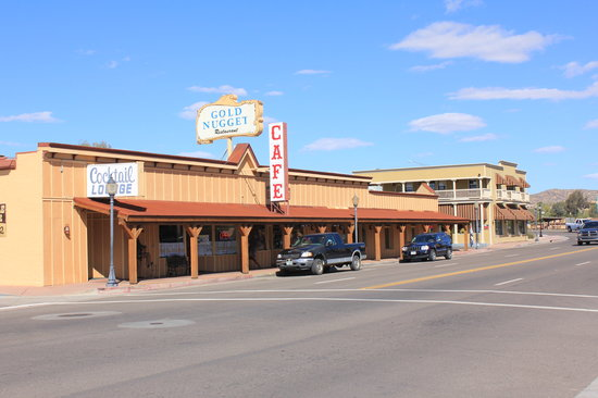 Ike's Gold Nugget : The Gold Nugget on Wickenburg's main drag