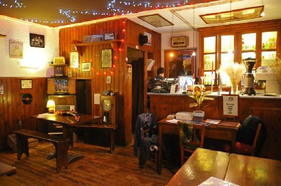 Bonneval-sur-Arc, Francia: salle intérieure côté bar