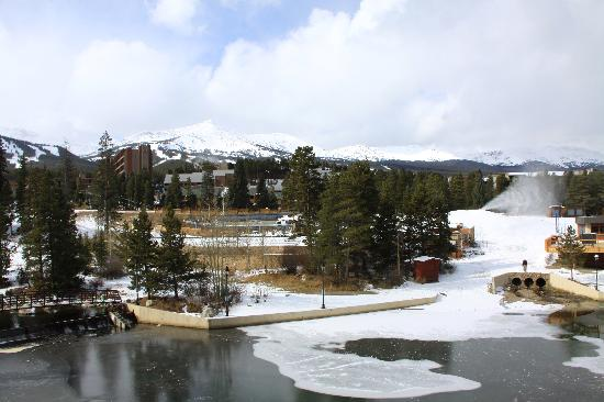 Marriott's Mountain Valley Lodge at Breckenridge: View from our balcony in the Big Horn block