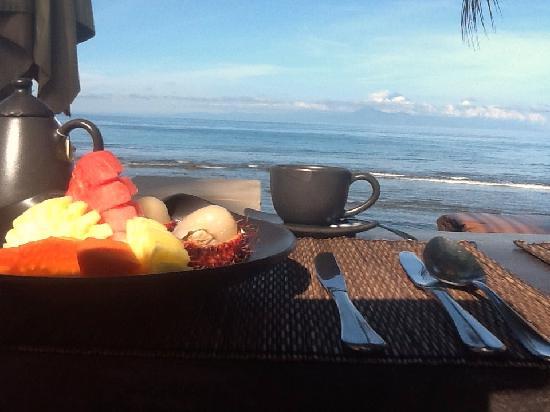 Qunci Villas Hotel: Best EVER breakfast view!
