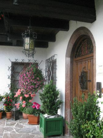 Pension Haus am Berg: Front door