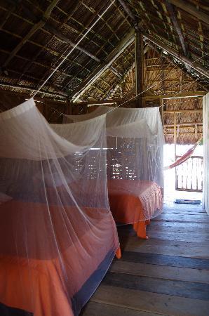 Dolphin Lodge Uaguinega: l'interno della capanna