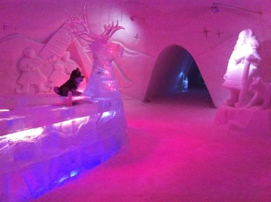 Kirkenes Snowhotel: quite beautiful but wouldn't want to sleep here