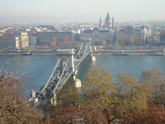 Budapest, Hungary: ponte delle catene