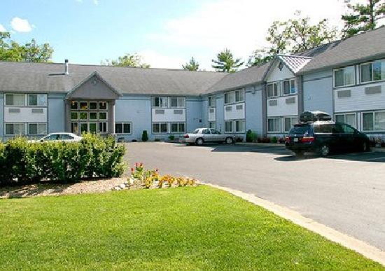 Comfort Inn Traverse City: 460 Munson Avenue US-31