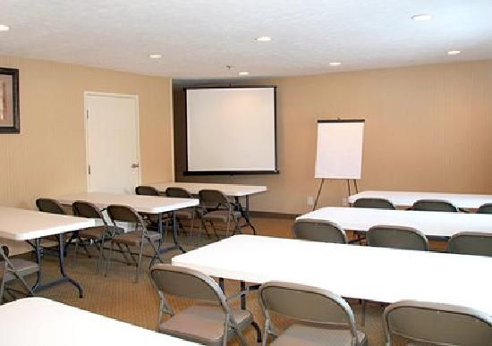 Comfort Inn Traverse City: We can host your meetings