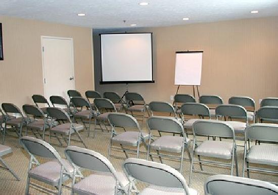 Comfort Inn Traverse City: Our meeting room can be set up as you need