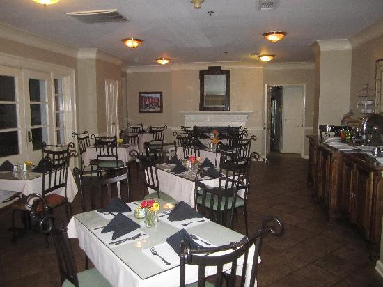 Old Capitol Inn: Breakfast Room
