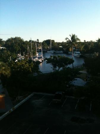 Days Inn Fort Lauderdale Airport Cruise Port: View from our 5th floor room