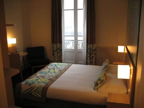 Hotel le Majestic: 160 cm bed